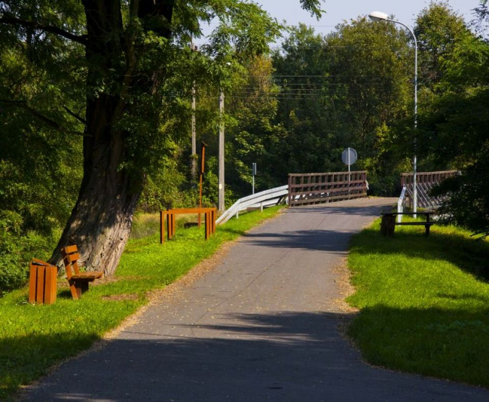 """Zdjęcie obiektu turystycznego: """"Most Doliny Nysy"""" w Siedlcu"""